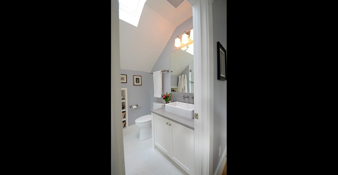 perry-bath